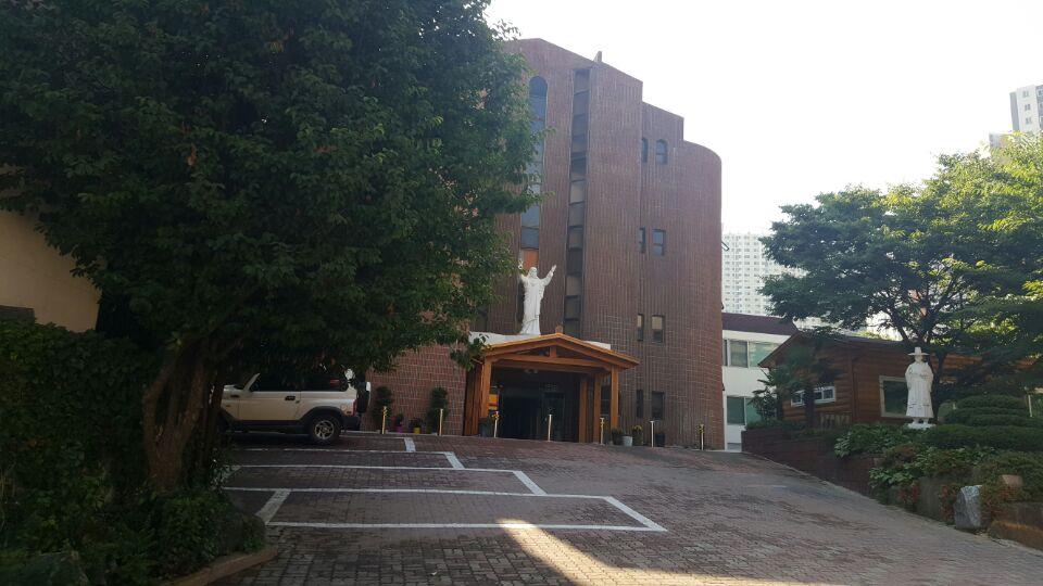 1 번째 사진 종교시설 에  연면적 ㎡ 부산시 북구 화명성당 내부인테리어 천정철거 공사