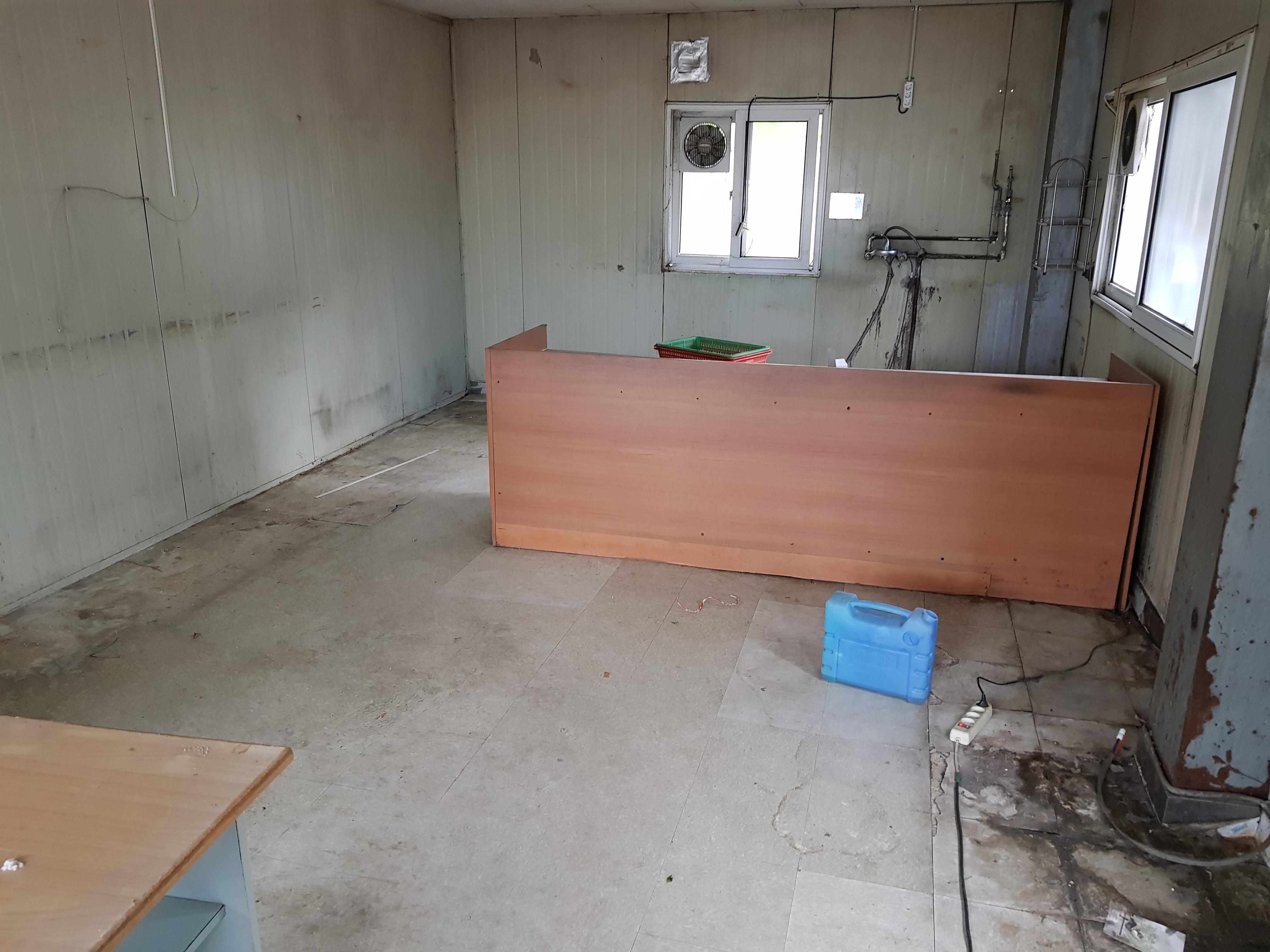 4 번째 사진  에  연면적60 ㎡ 경북 예천군 예천읍 공장 천장텍스 석면해체 제거 보고서
