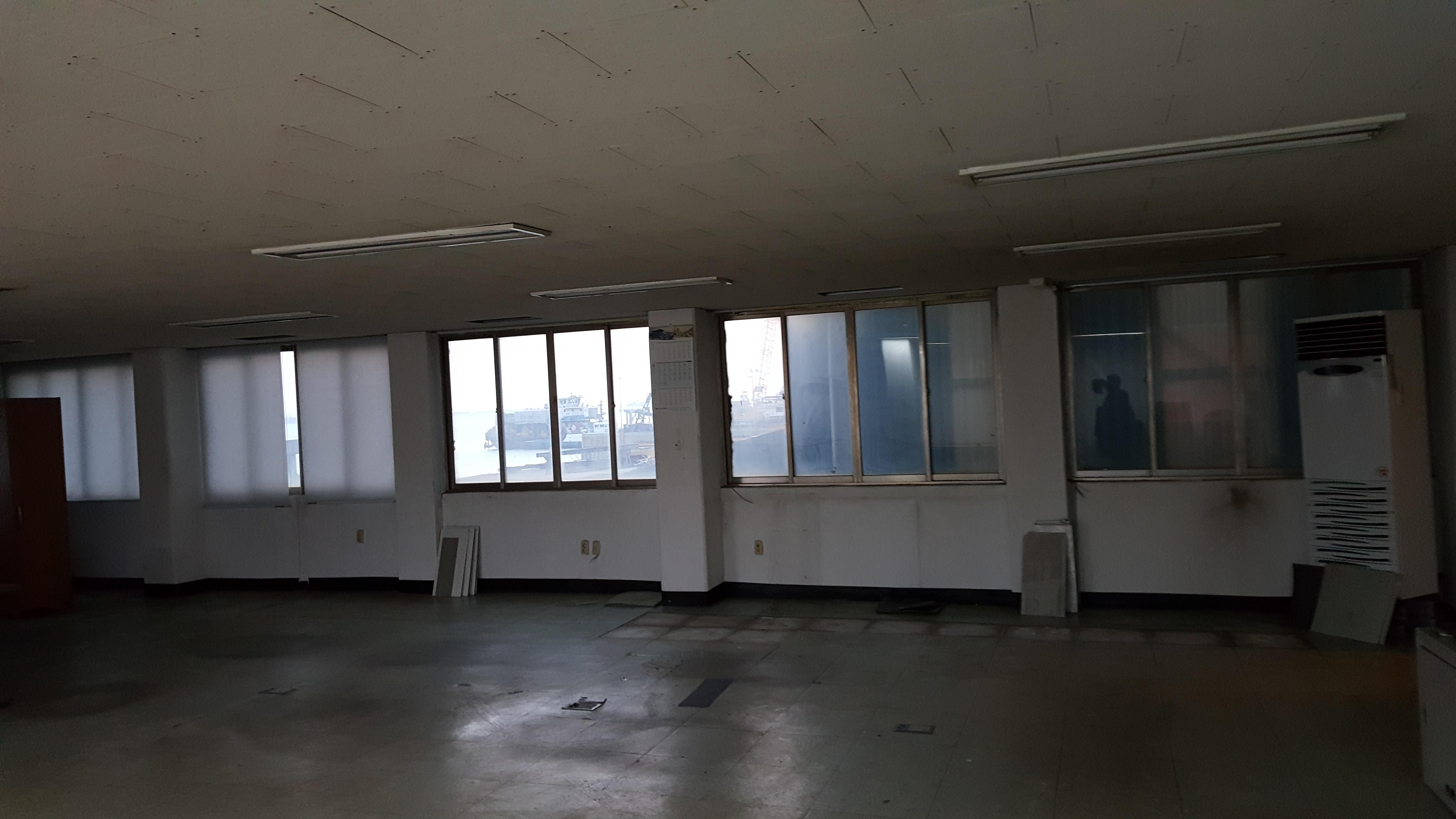 4 번째 사진  에  연면적 445.5 ㎡ 부산시 영도구 해양로 공장사무실 1차 석면철거