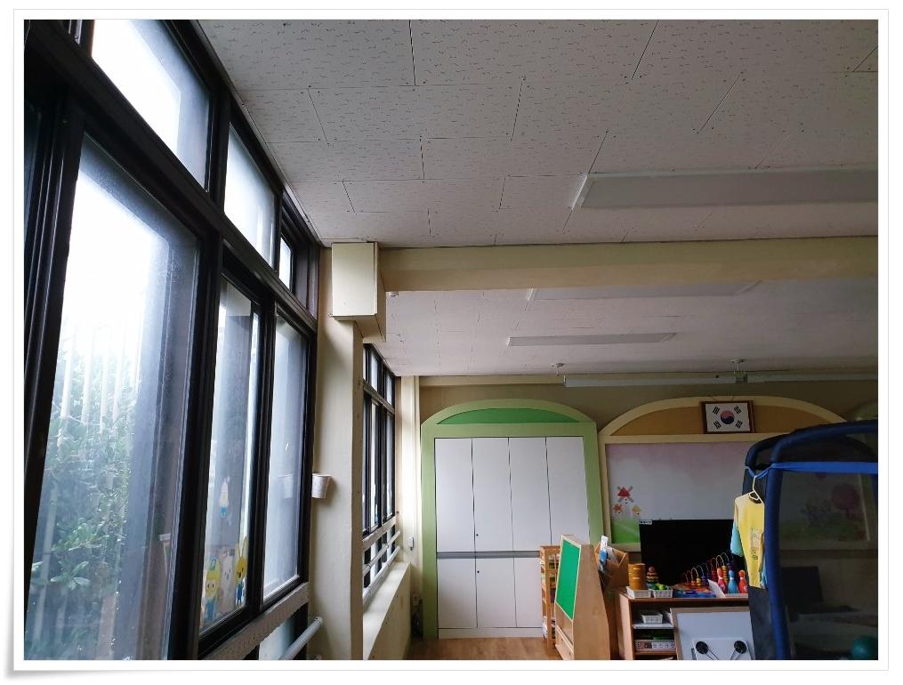 3 번째 사진  에  연면적 ㎡ 사하구 감천초등학교 병설유치원 석면 해체 공사
