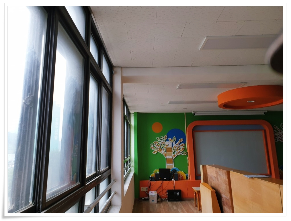 2 번째 사진  에  연면적 ㎡ 사하구 감천초등학교 병설유치원 석면 해체 공사