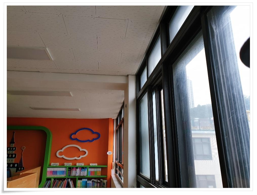 1 번째 사진  에  연면적 ㎡ 사하구 감천초등학교 병설유치원 석면 해체 공사