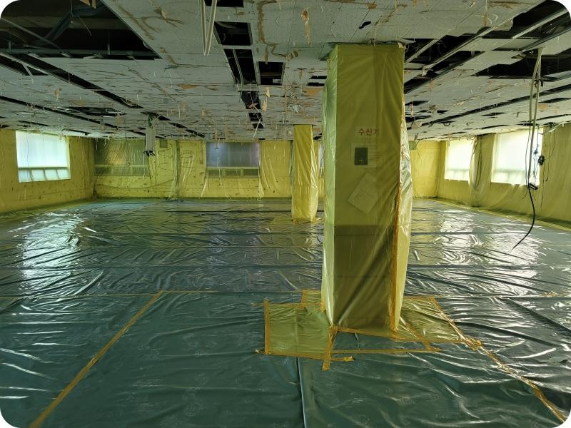 8 번째 사진  에  연면적959.38 ㎡ 부산도시가스 천장 텍스 해체 공사